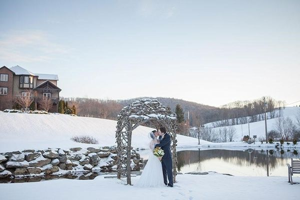 Why A Winter Wedding is Absolutely Amazing and a Great Idea
